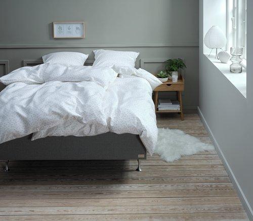 Спално бельо с чаршаф HELENE сатен SGL