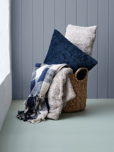 Cushion VILLMORELL 45x45 dark blue